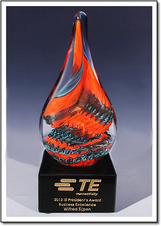 Catalina Macaw Art Glass Award